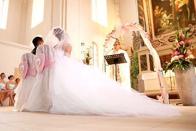 Traumhafte Hochzeitskleider kaufen bei Leipziger Brautmoden